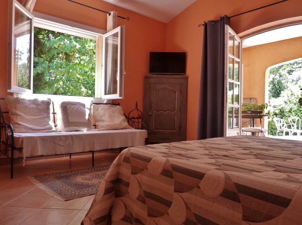 Chambre d hote de charme aix en provence location for Chambre de charme provence