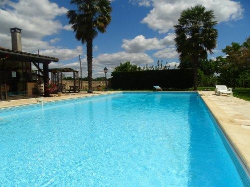 G te 4 6 personnes avec piscine borne lot et for Camping lot et garonne avec piscine